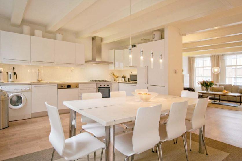 Bố trí bàn ăn hợp phong thủy giúp phòng ăn thông thoáng, tinh thần thoải mái
