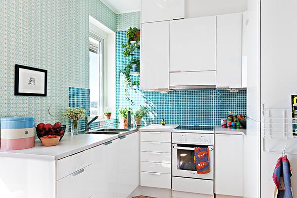 Một cách trang trí phòng bếp với cây xanh lại tận dụng sử dụng làm gia vị món ăn