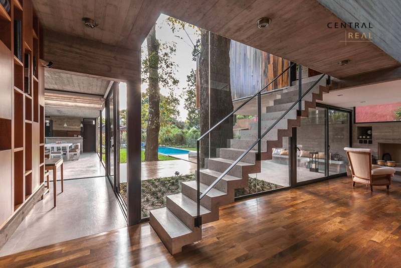 Mẫu nhà gỗ đẹp, Nhà kết hợp nhiều chất liệu