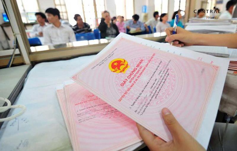 Giấy tờ mà bên ủy quyền phải cung cấp đầy đủ cho bên được ủy quyền