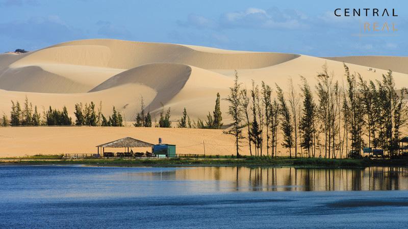 Mũi Né Phan Thiết với bãi cát vàng trải dài